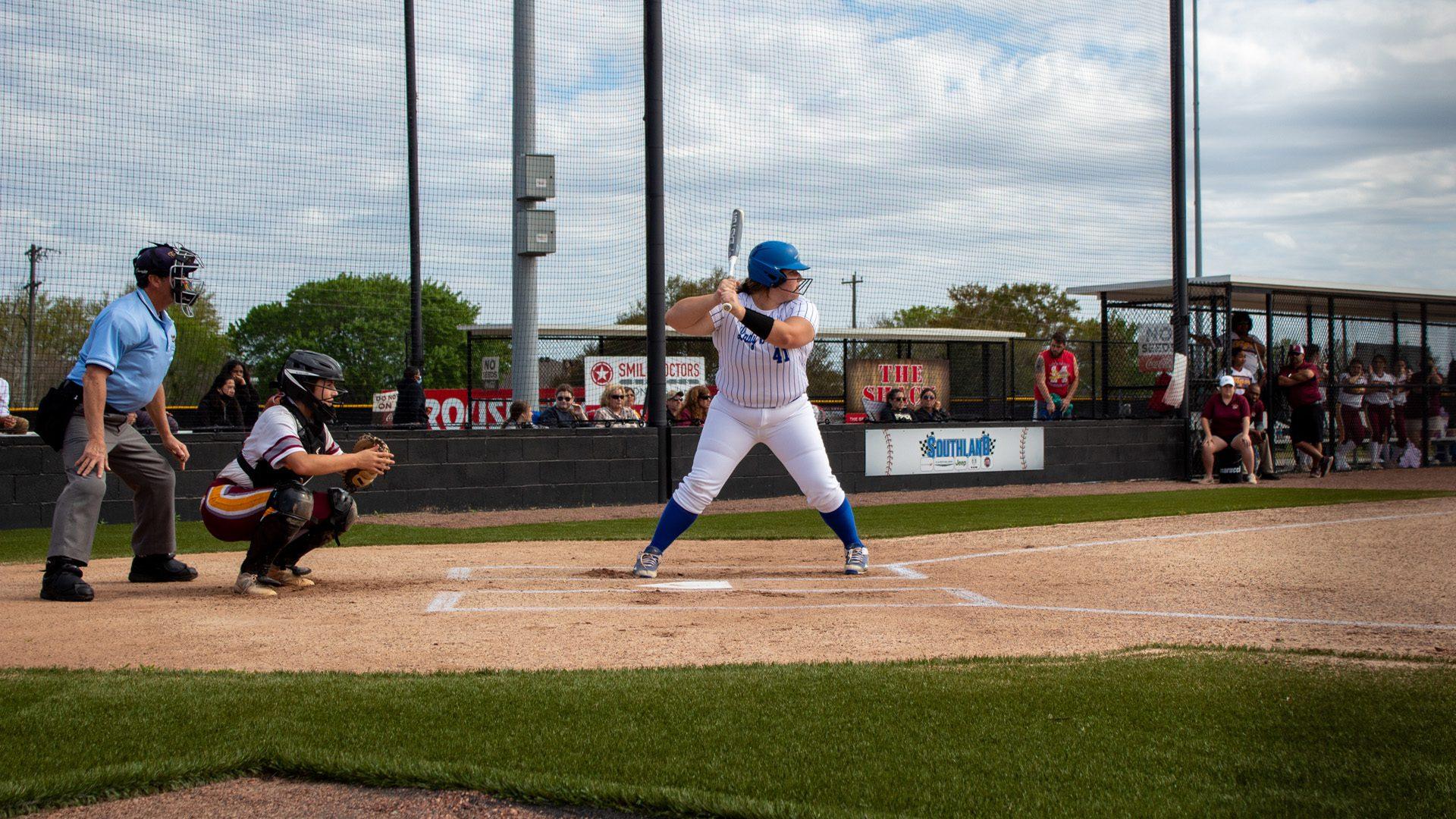 HLB batter waiting on pitch